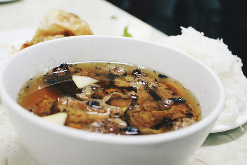 Bún chả là món ăn khá đặc trưng của Hà Nội