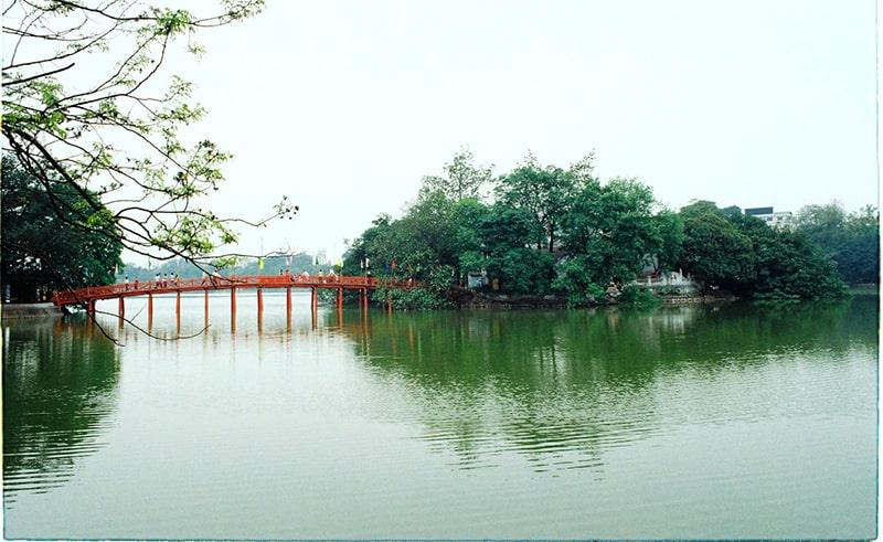 Hồ Gươm - cầu Thê Húc