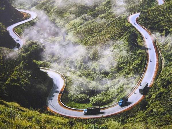 Choáng ngợp trước hình sông thế núi của đèo Mã Pí Lèng