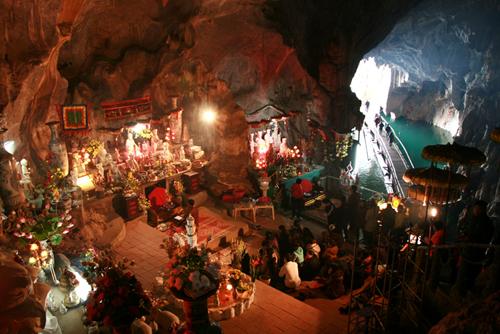 Đi lễ đầu năm tại 9 ngôi đền chùa ở miền Bắc tốt cho người kinh doanh 10