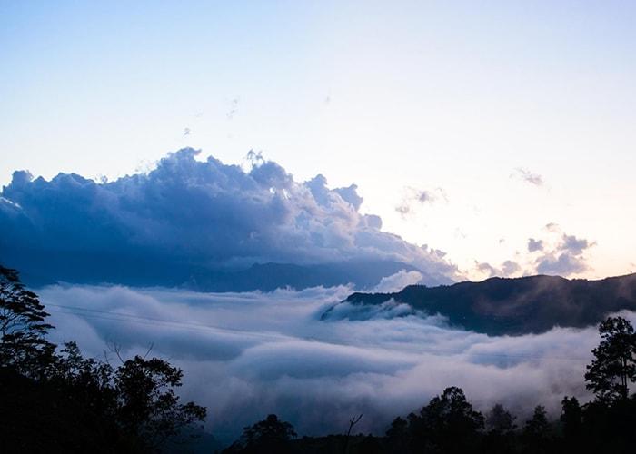 Săn mây và núi ở Đỉnh Lảo Thẩn, Lào Cai