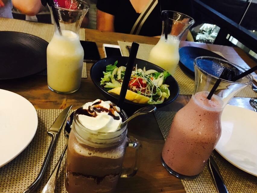 6 Degrees Café - 189 Nghi Tàm