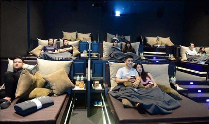 Ghế dành cho các cặp đôi ở rạp chiếu phim Hà Nội