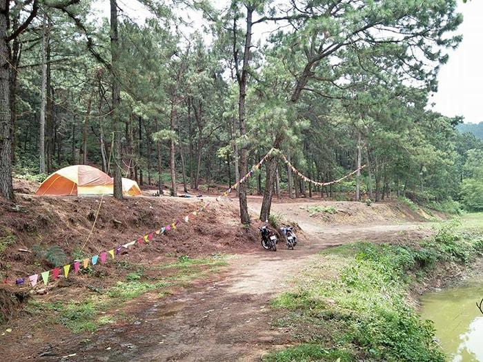 Cắm trại bên hồ Hàm Lợn