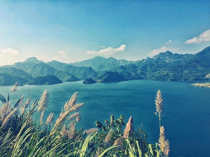 Vẻ đẹp của hồ Ba Khan, Hòa Bình