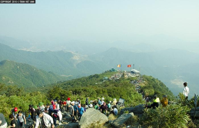 Đường Lên chùa Đồng Yên Tử