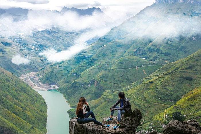 Sông Nho Quế nhìn từ trên đỉnh đèo Mã Pì Lèng