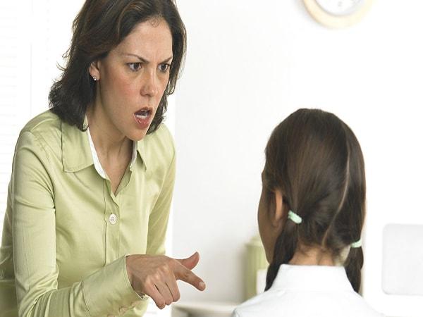 """Bí quyết """"trị"""" trẻ bướng bỉnh, không nghe lời"""