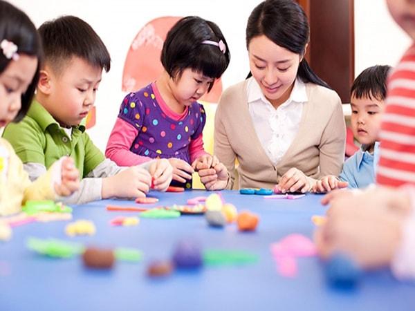 Giáo viên mầm non nên làm gì đối với các bé tiếp thu chậm?