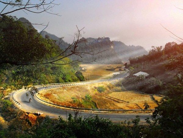 Phương tiện và lộ trình di chuyển đến thác Bản Giốc