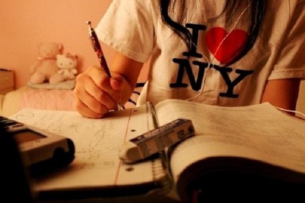 Học sinh nên ôn luyện bài tập theo từng giai đoạn