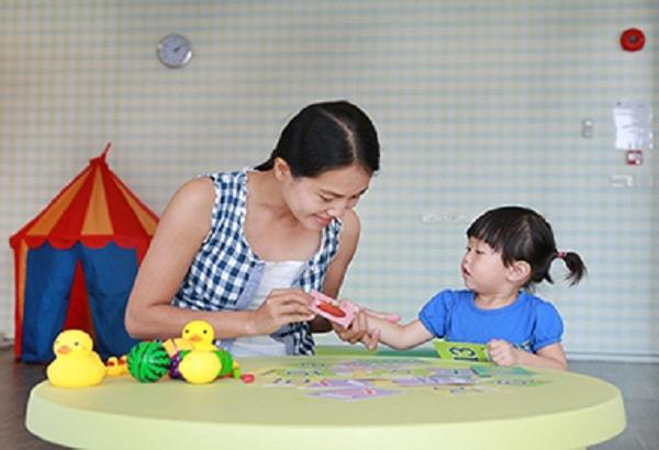 Tấm card nhỏ là hình ảnh minh họa được nhiều bố mẹ sử dụng