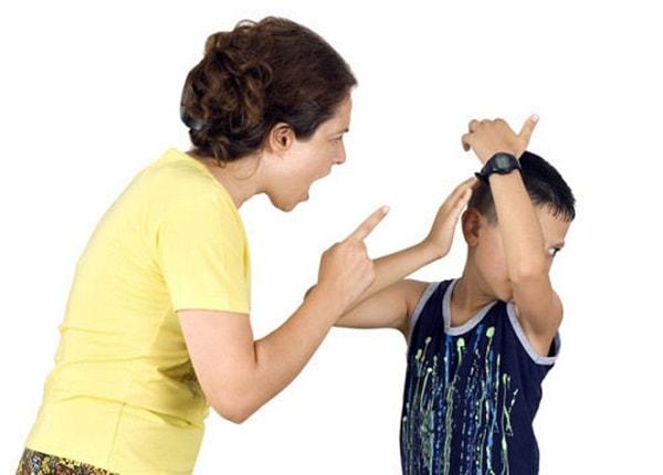 Không đánh mắng, nói nặng lời với con