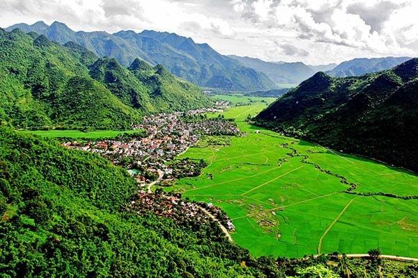 Đồng lúa thung lũng Mai Châu