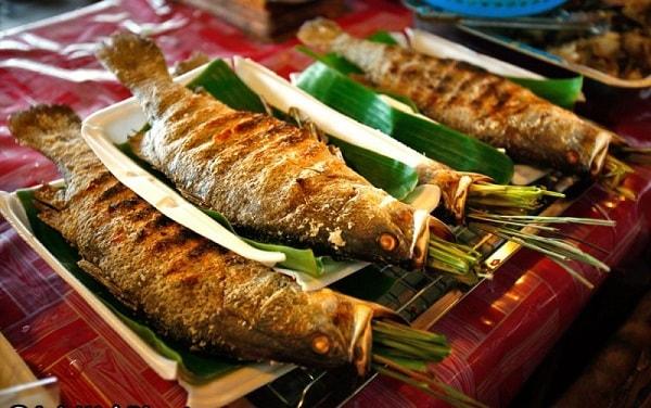 Đặc sản cá suối nướng ở Mai Châu