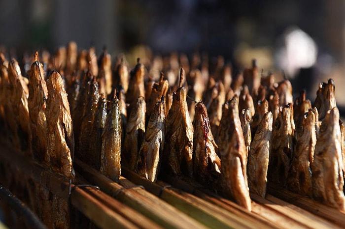 Cá nướng là đặc sản nhất định phải thử khi đi du lịch Thung Nai