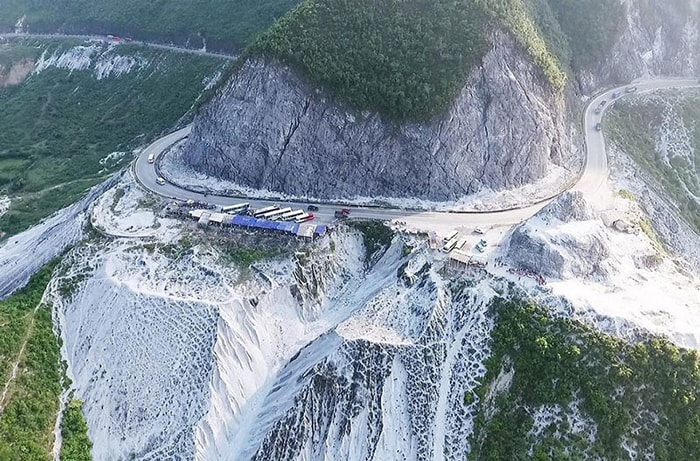 Đèo Thung Khe là địa điểm không thể bỏ qua khi đi phượt lên Mai Châu