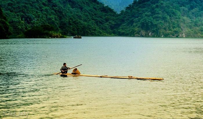 Khung cảnh tuyệt đẹp của lòng hồ Thung Nai