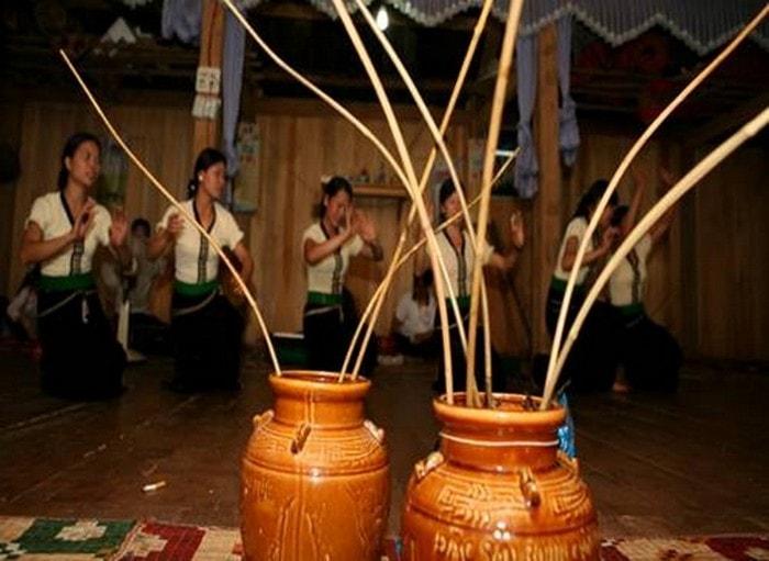 Đặc sản rượu Mai Hạ Mai Châu