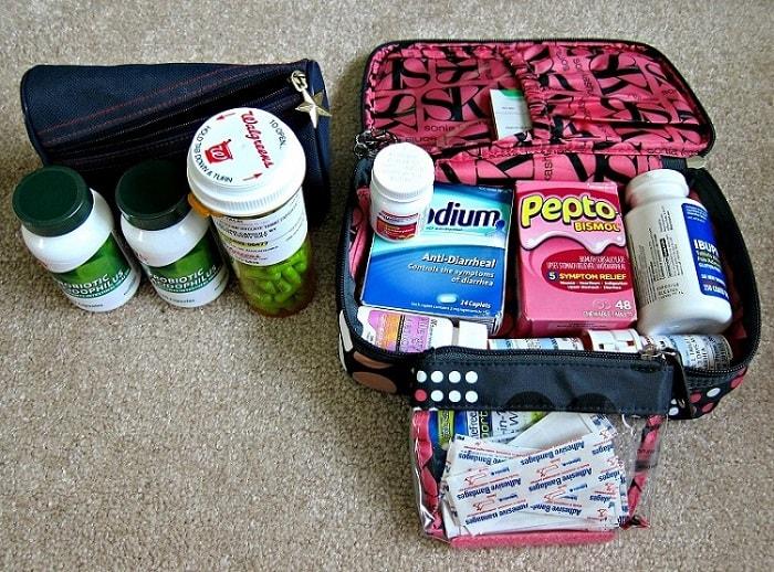 Chuẩn bị đầy đủ thuốc men khi đi phượt Hà Giang