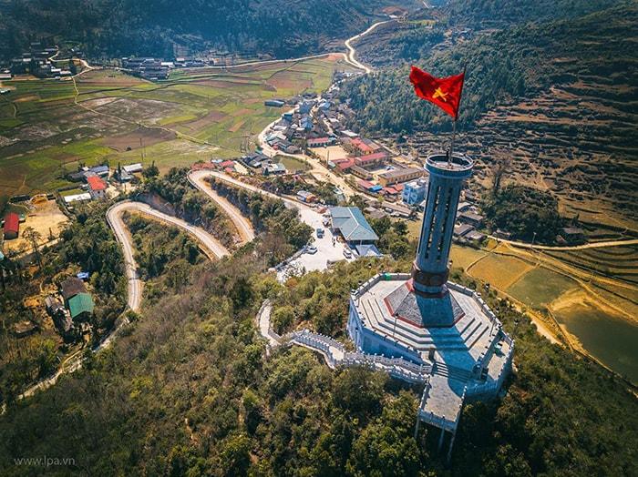 Cột cờ Lũng Cú nhìn từ trên cao