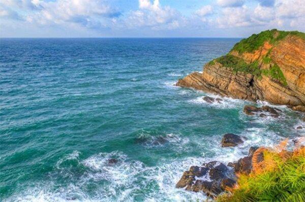 Cô Tô là một trong những bãi biển đẹp nhất Việt Nam