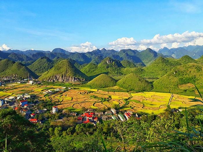 Núi đôi Quản Bạ ở Hà Giang