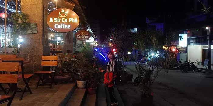 Quán cafe ở phố cổ Đồng Văn