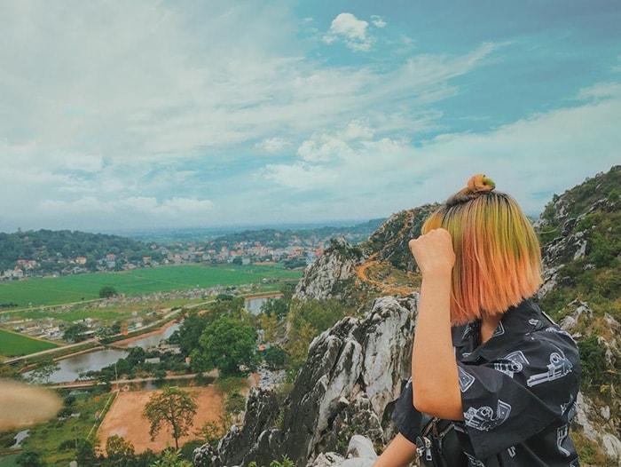 Trên đỉnh núi Trầm