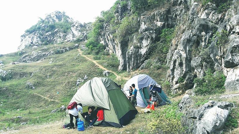 Cắm trại núi Trầm