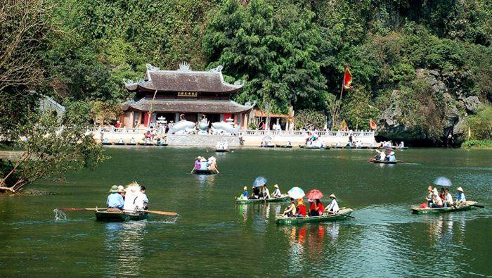 Trang An là điểm vui chơi, du lịch gần Hà Nội cho ngày nghỉ