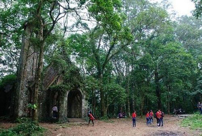 Vườn Quốc Gia Ba Vì là điểm vui chơi, du lịch gần Hà Nội cho ngày nghỉ
