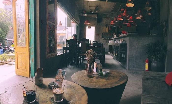 Quán cafe trong Hà Nội Creative City