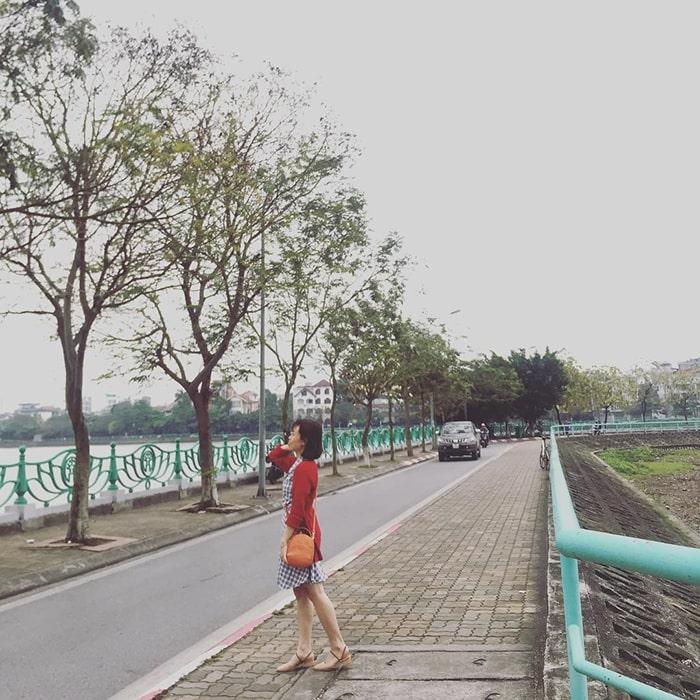 Con đường Hàn Quốc ven hồ Tây