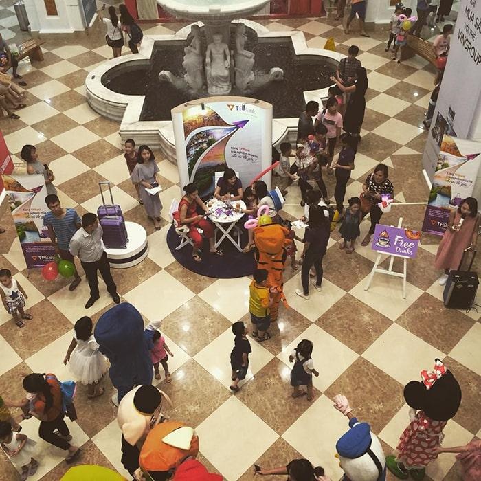 Trung tâm mua sắm trong Royal City