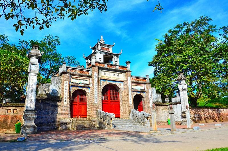 Di tích thành Cổ Loa khá gần Hà Nội
