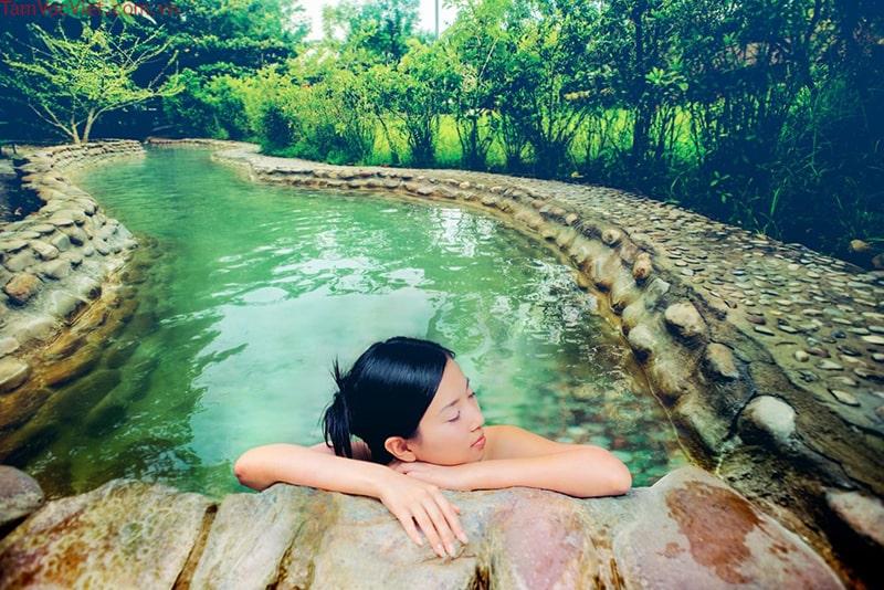 Tour Huế 4 ngày 3 đêm với Suối khoáng nóng Thanh Tân
