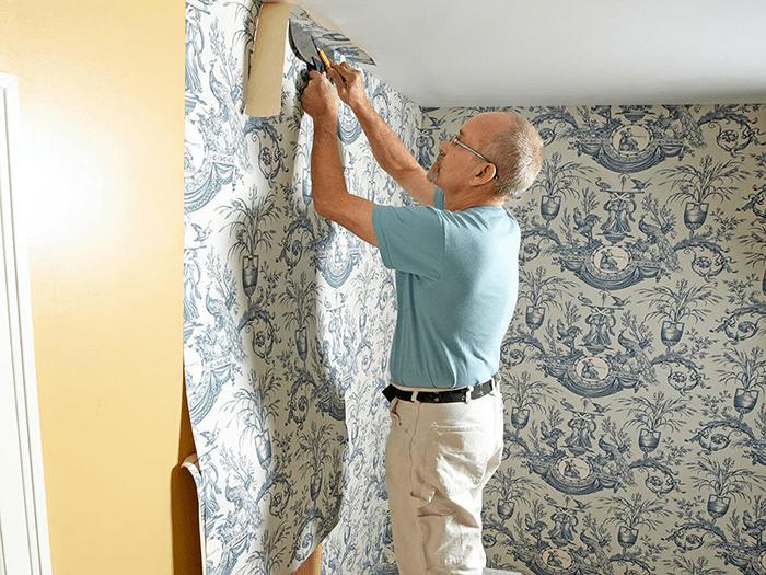 Cách cắt giấy dán tường theo các mép tường