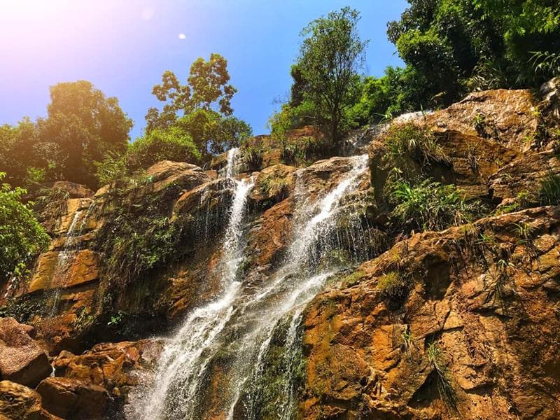Thác Lựng Xanh là khu du lịch sinh thái còn giữ được nét hoang sơ thuần khiết