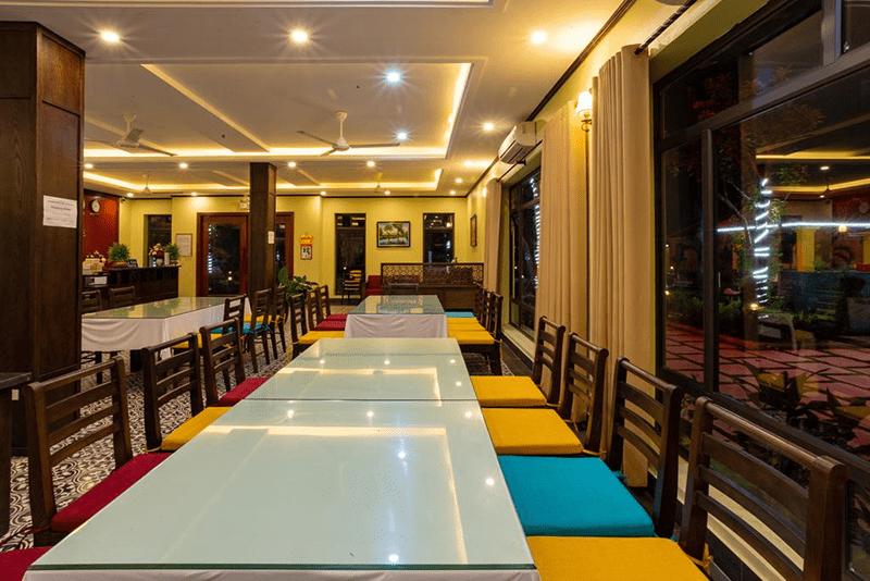 Không gian nhà hàng sang trọng ở Dong Ne Tam Coc Hotel & Resort