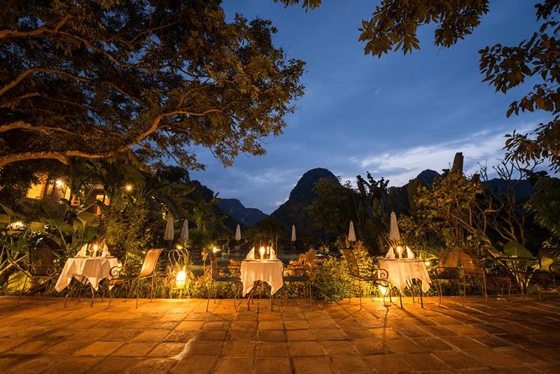 Bữa tiệc tối đẹp lung linh ở Tam Cốc Garden Resort