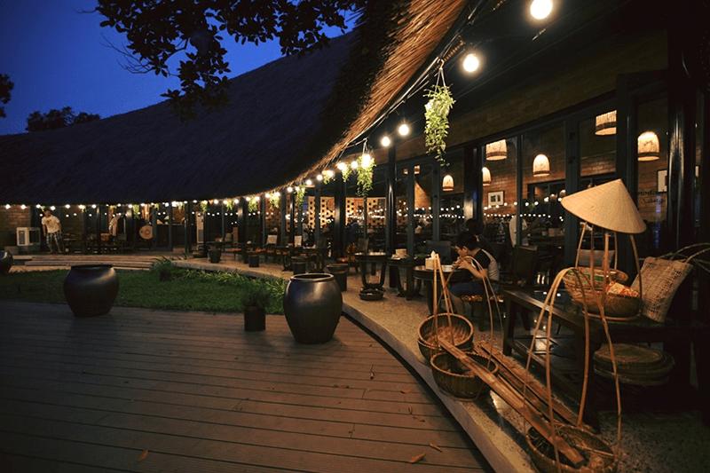 Nhà hàng ở Tomodachi Retreat phục vụ ẩm thực 4 mùa